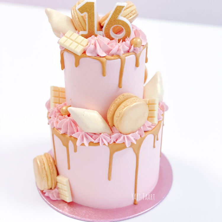 for sweet girls cake taart pink licht roze macarons gold dripcake stapeltaart breda sweet16