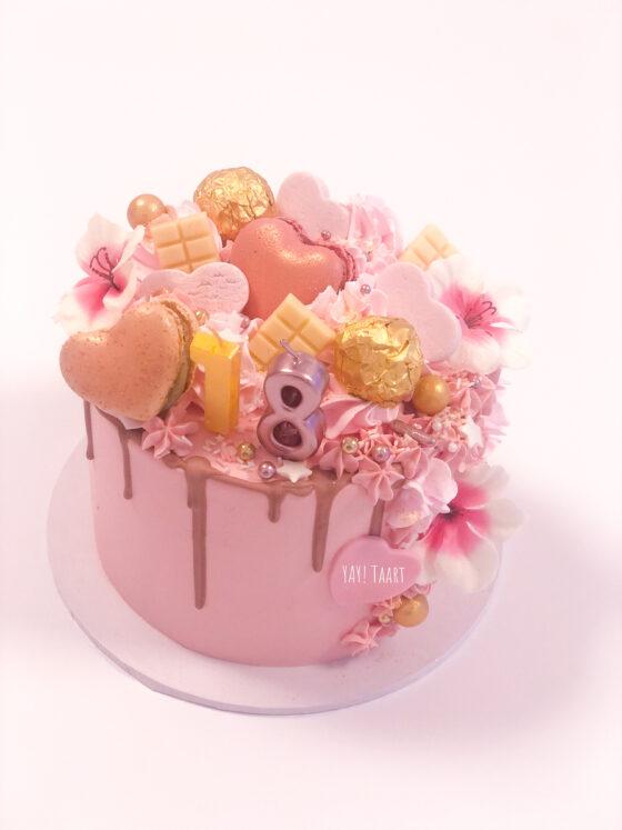 bestellen verjaardag 16 macarons hart taart breda pie loaded cake