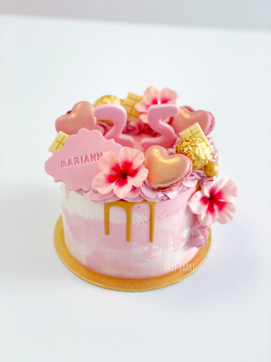 Perfectly Pink dripcake gold roze macarons ferrero Breda Oosterhout Tilburg Roosendaal Etten-Leur